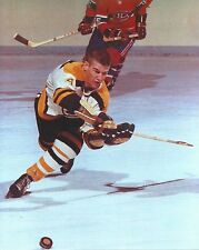 BOBBY ORR 8X10 PHOTO HOCKEY BOSTON BRUINS NHL PICTURE TAKING SHOT