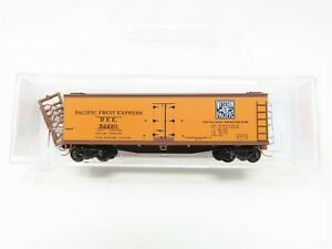 N Micro-Trains MTL 04700290 WP PFE Pacific Fruit Express 40' Wood Reefer #52220
