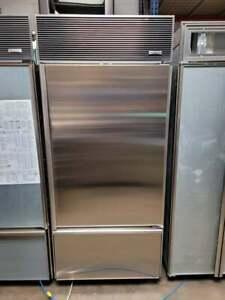 "SubZero 36"" Refrigerator Bottom Freezer w/ Ice Maker Right Hand Stainless Steel"