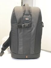 LowePro Flipside 300 Backpack Case for DSLR Camera - No rain cover