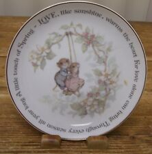 Swinging Collectible Plate