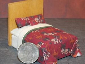 Dollhouse Miniature Bed Animals 1:24 Half inch scale 1/2 D7 Dollys Gallery