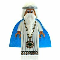 The LEGO Movie Vitruvius Minifigure Sparkling Azure Cape Medallion White Wizard