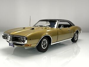 ACME Danbury Mint 1968 Pontiac Firebird 400 Coupe Gold Poly 1:18 Diecast Car