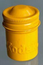 Boîte Métal kodak pellicule photo années 1950 . Couleur jaune (1)