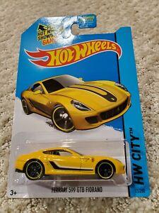 Hot Wheels Ferrari 599 GTB Fiorano HW City 2015 Series in Yellow!!
