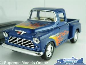 CHEVROLET STEP SIDE MODEL PICK UP TRUCK 1:32 SCALE BLUE & FLAME GRAPHIC +CASE K8