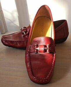 GEOX WOMEN'S LEATHER FLAT RED  SHOES  .SIZE 40  EXC COND.