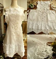 Vintage Princess Linen & Lace Apron White RUFFLED hand EMBROIDERED flowers BOW