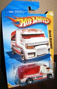 Hot Wheels 2010 New Models #18 Rapid Response White & Red Ambulance