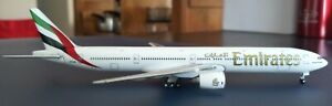 Emirates Boeing 777-31HER A6-EMM 1:400 Gemini Jets model - Top condition !