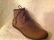 Merrell Leather Lace-up Ankle Boots - Ashland Vee Ankle 10..5 m tan