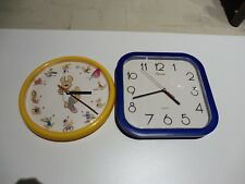 LOT DE DEUX HORLOGES MURALE