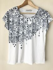Chicos Zenergy White Medallion Foil Print Tee Shirt Top Women Plus XXL Size 4