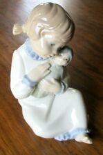 Superbe Figurine en porcelaine Zaphir par Lladro fillette à la poupée