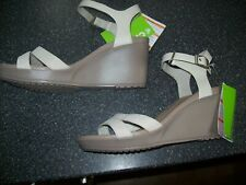 New!  CROCS Oatmeal Ankle Strap Wedge Sandals Size UK 9