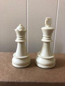 DGT Chess Pieces – Full Set 32 Black & Tan - 2 Queens