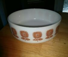 VTG Federal Glass Mixing Bowl White with Gold Square Flowers Large 3-1/2 qt.