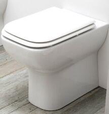 Wc per disabili a pavimento scarico unificato H. cm.47 completo di sedile