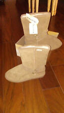 NEW $89 Womens Bearpaw Adele Boots, size 10   shoes