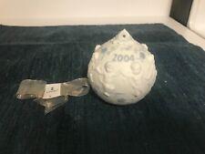 Superb Lladro Porcelain 2004 Dancing Cherubs Ball Ornament in Mint Condition!