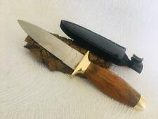 """Petit Couteau Léopard boot 7 """" avec son étui  ."""