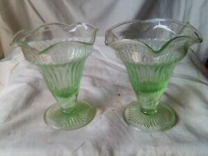 2 green Glass vases        ref16