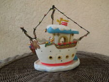 DISNEY TOONTOWN DONALD'S BOAT, PLEASE READ AND MAKE OFFERS !!!