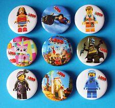 Lego Avengers Movie Party Favours 9 Badges Piñatas 3cm Batman Wonder Woman NEW