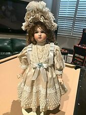 #1073 yr 1996 Reproduction jumeau Bru Patricia Loveless doll 28 inches wth stand