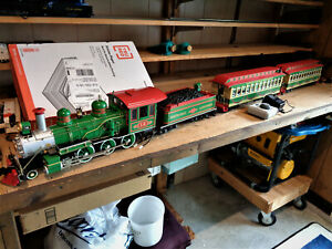 Mint Condition Bachmann 2 car Passenger set with engine and tender