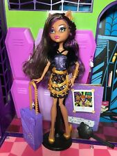Monster High Doll - Clawdeen Wolf - Scaris - Complete - Great Condition