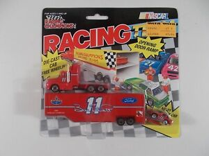 Racing Champions 1992 NASCAR Transporter Bill Elliott #11 Ford Racing