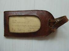 sehr alter schöner echt Leder Kofferanhänger Namensschild Gepäckschild aus 50-er