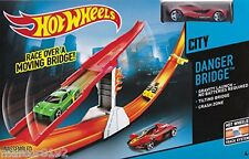 Hot Wheels City Danger Bride Track Set W/ Vehicle Gravity Launcher New