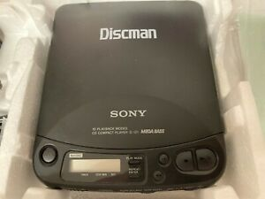 Sony Discman D-121 Mega Bass CD Player Compact Disc Player W/ Box Tested Working