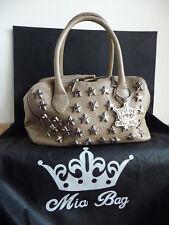 10a655d61e Mia Bag borsa a mano beige in ecopelle con stelle in metallo applicate