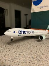 JC Wings 200 scale diecast model Cathay Pacific B 777 Commercial Airliner B-KPL
