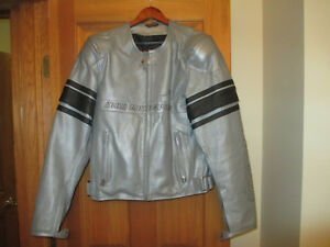 ICON PURSUIT - PERFORATED LEATHER MOTORCYCLE JACKET - XL 46-48