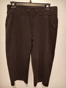 Athletic Works Women's Black  Capri Yoga Pants Size Medium (8-10)