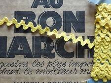 MERCERIE ANCIENNE-GALON CROQUET JAUNE SOLEIL-SERPENTINE-Larg.9mm/au m