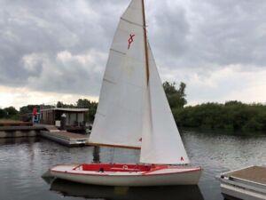 Ixylon Jolle, Segelboot, neues Unterwasserschiff