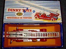 DINKY TOYS 32D DELAHAYE ECHELLE POMPIERS + BOITE D'ORIGINE