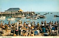 Viking Bay. Broadstairs (Elgate Postcards, no. ET6177) 1970s. Beach. Boats.