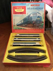 Tri-ang Hornby Railways - The Blue Pullman Electric Train Set - Boxed