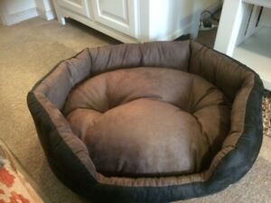 Top Pet Soft Suede Pet Dog Bed Cushion in Black Brown Medium 69 x 60 x 26 cm