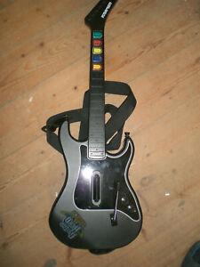 Guitar Hero Gitarre (ohne Dongle Reciever) für PS2 guter Zustand