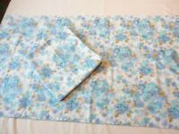 2 Vintage 1970's Cannon Royal Family King Size Pillow Cases  Blue Floral Print