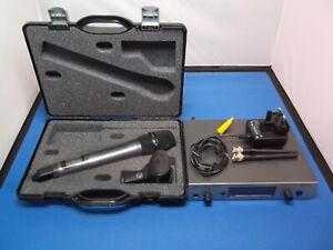 Sennheiser Evolution EW500-935 G3  606 - 648 MHz  Handheld Radio Mic.  Last One!