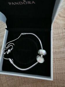 Pandora Armband mit Zugband 925 und Originalbox + 2 Charms/Beads